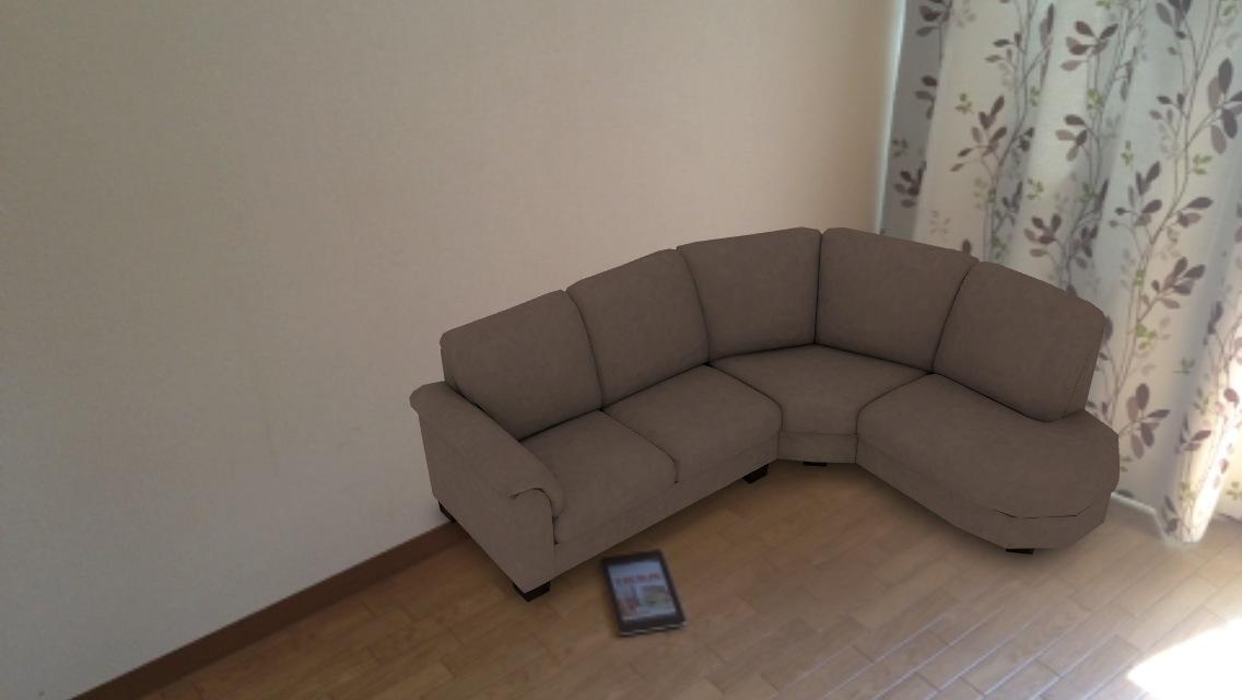 ソファーを配置
