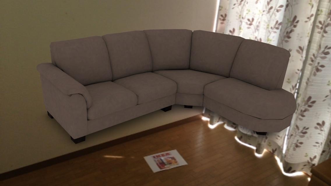 再びソファーを配置