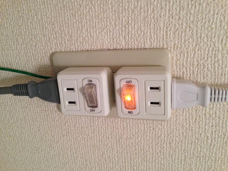 セリアの節電タップ2個口を2つ使用