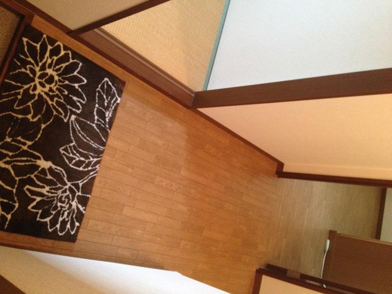 寝室から和室に至る廊下